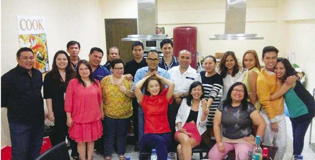 Cook Magazine Team with Chef Jojo, and husband Dennis of Sweetielicious Homemade Goodies, Marou Sarne of DWIZ, Chef Edward Mateo of Royale Patisserie, Michael Sagaran, Carelle Magahum of UTHI, and Joy Catiis-Cruz of Exatech.