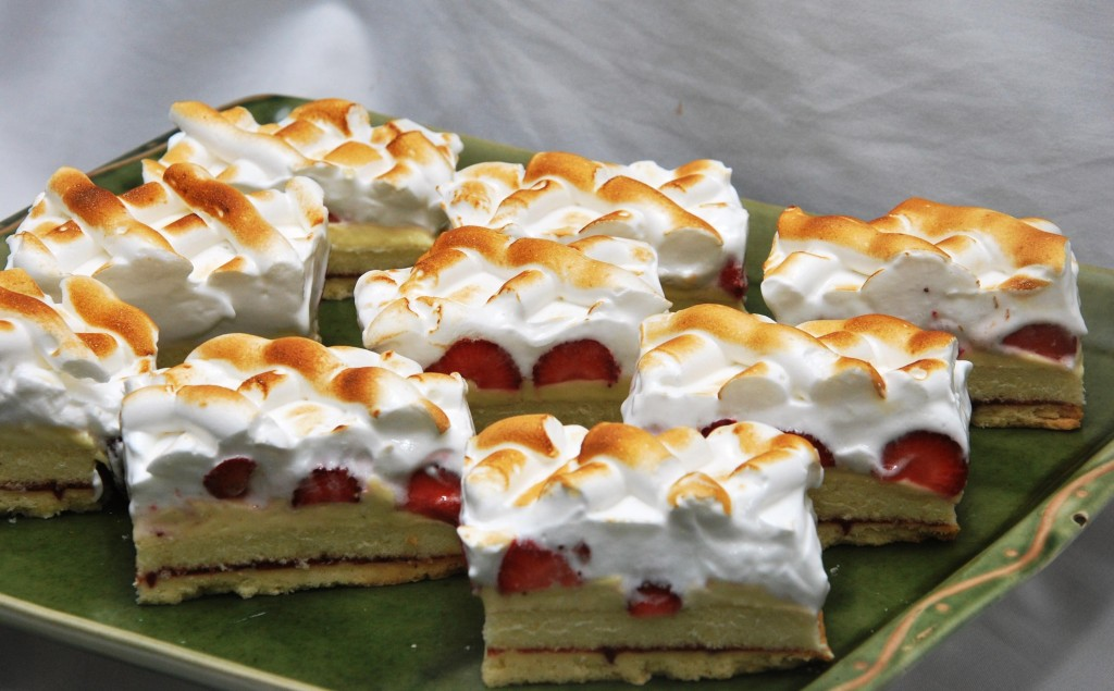 Strawberry Meringue Slice