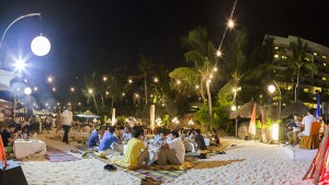 Dine under starlit skies in Barefoot Barbecue by the beach