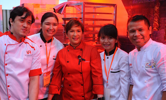 Celebrity chef Janice De Belen with the URC Flour Technology Team led by (from left) baking analyst Derren Riego, product development and services manager Carol Bonifacio, technical services associate Beverly Maranan and baking technician Wilfredo Roxas.