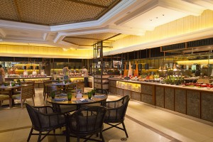 Shangri-La's Mactan Resort _ Spa's all-day dining restaurant, Tides