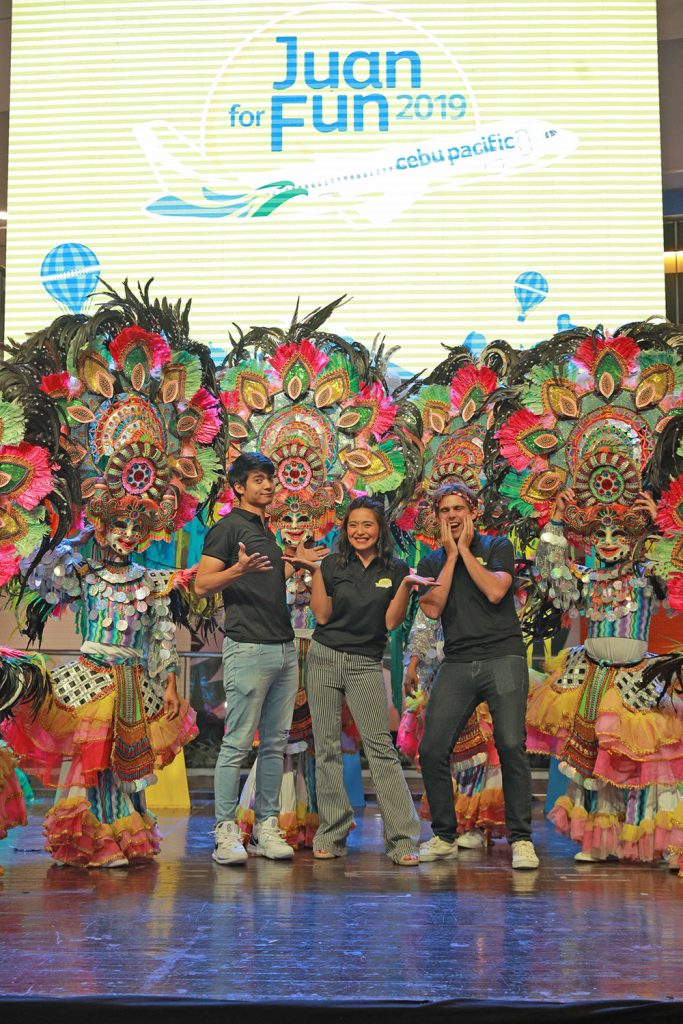 """Juan for Fun 2019 introduces new batch of travel coaches to guide five teams on their one-week trip in the Philippines. In photo are (from left) Mikael Daez, Joyce Pring, and Kyle """"Kulas"""" Jennermann."""