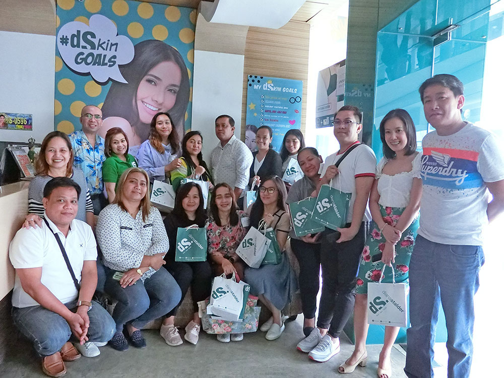 Media and Bloggers photo op with the President and CEO Dina Stalder for the Rainy Day Unli Warts Away July promo