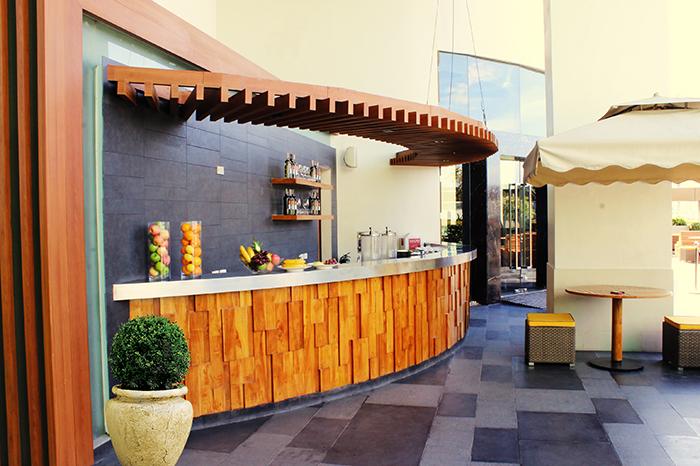 Canary Lounge