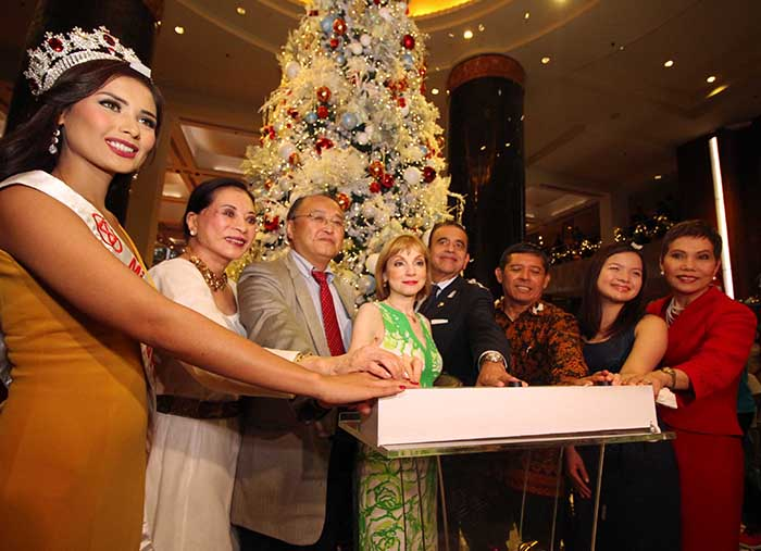 In the photo (from left) stands Miss World Philippines 2015, Hillarie Danielle Parungao, Ms. Tingting Cojuangco, Minister and Deputy Chief of Mission Tetsuro Amano from the Embassy of Japan, Madame Ana Maria Romandetto, Ambassador Julio Camarena Villaseñor from the Embassy of Mexico, Minister Counsellor Wibanarto Eugenius of the Protocol and Consular Affair from the Embassy of Indonesia, Ms. Carmela Ang of Diamond Hotel Philippines, and Ms. Vanessa Suatengco General Manager of Diamond Hotel Philippines.