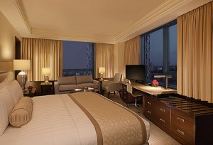 Executive Room - Crimson Hotel FIlinvest City Manila