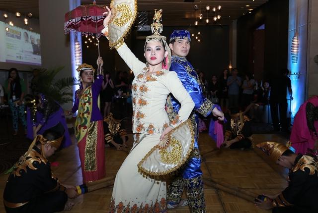 Folk Dance 2