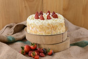 White Chocolate and Strawberry Mousse Obsession
