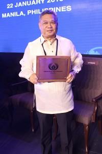 The Bellevue Resort Bohol Resort Manager Mr. Rommel Gonzales receiving the ASEAN Green Hotel Award for 2016-2018.