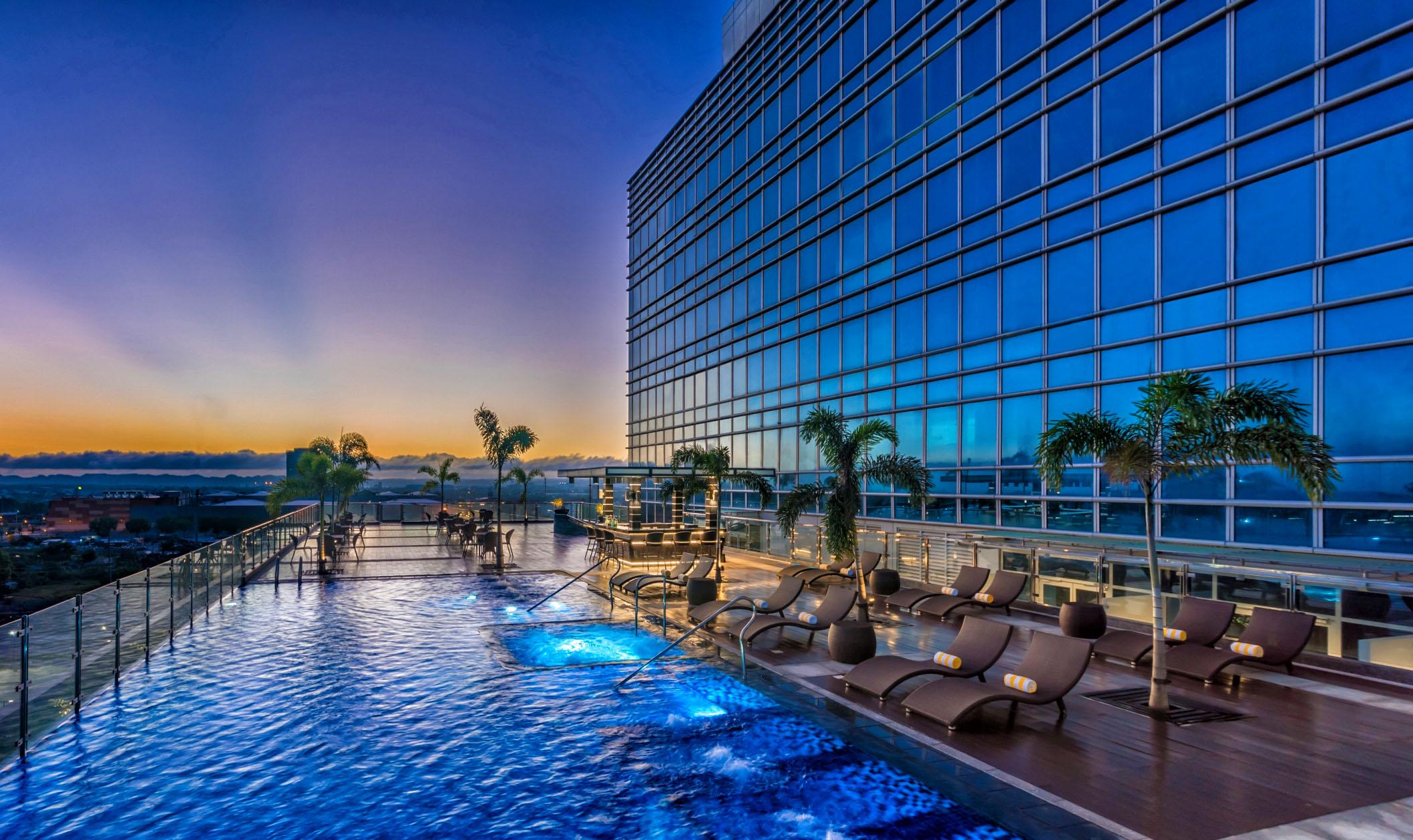 Richmonde Hotel Iloilo's Swimming Pool