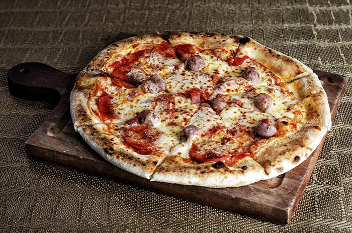 Tre Salsiccia                                               Tomato, sauce, mozzarella,, prosciutto                                                    cotto,pepperoni,, italian sausage