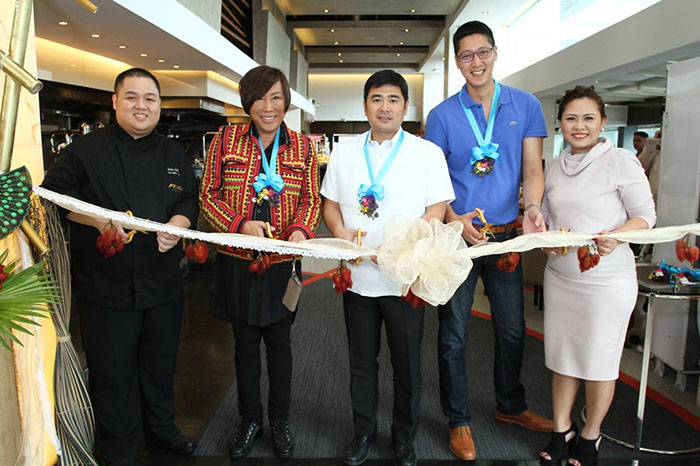 Opening the festival are (L-R) F1 Hotel Manila's executive chef Decker Gokioco; renowned fashion designer Renee Salud, city economic and investment promotions officer of Taguig City Jorge Daniel Bocobo; F&B Report editor-in-chief, Angelo Comsti; and F1 Hotel Manila's director of sales and marketing Cindy Brual