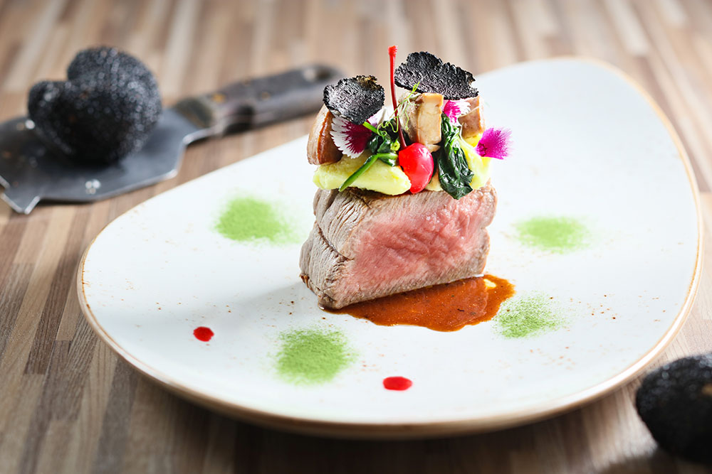 Black Angus Beef Tenderloin with Pan-seared Duck Liver, Cherry and Black Truffle Sauce 安格斯牛柳配香煎鴨肝、櫻桃伴黑松露汁