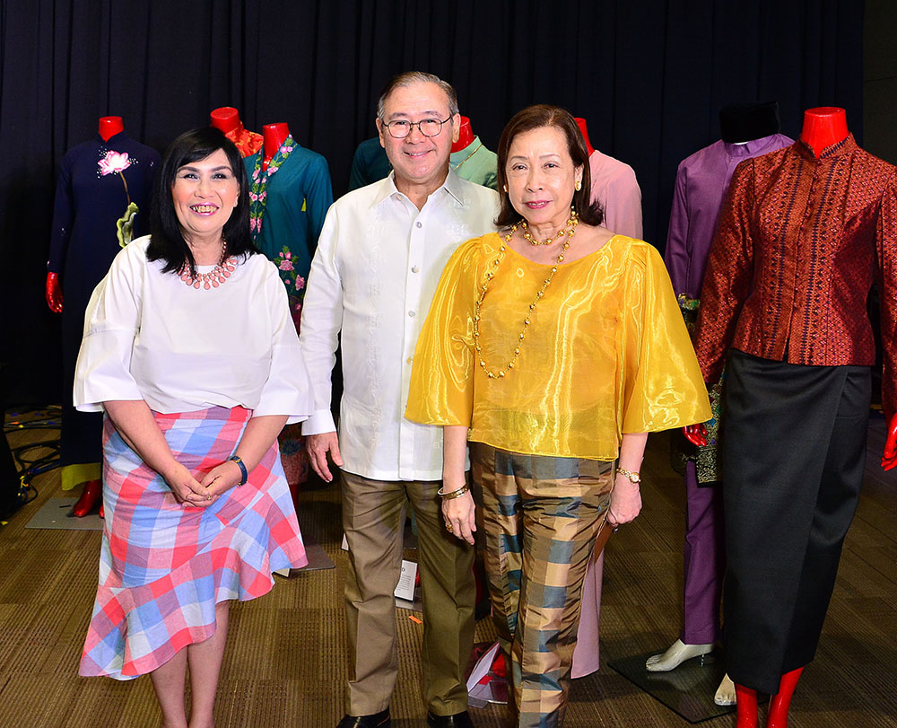 Department of Foreign Affairs Secretary Teodoro Locsin, Jr. and Mrs. Louie Barcelon-Locsin with SM Senior Vice President for Marketing Millie Dizon.