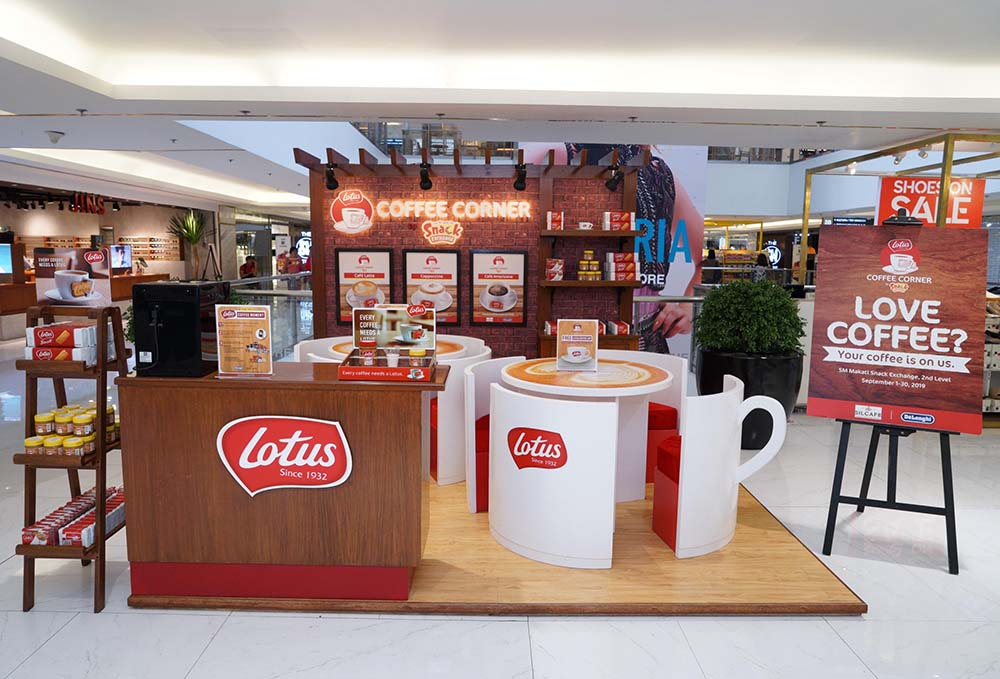Experience and enjoy a perfect match of coffee and Lotus Biscoff biscuits for free at the cafe inspired Lotus Coffee Corner located at the second level of SM Makati.
