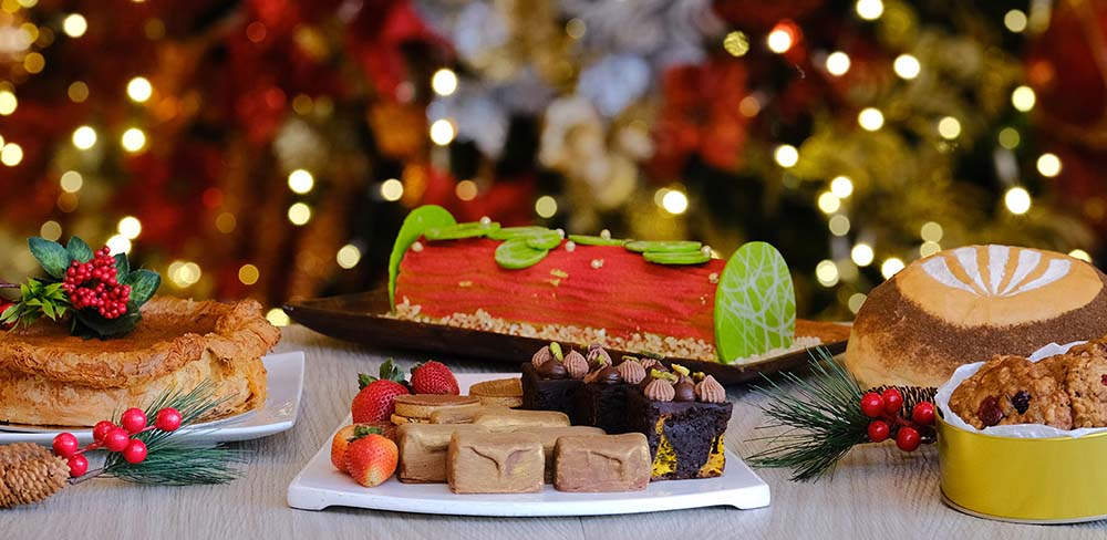 EASTWOOD RICHMONDE HOTEL: HOLIDAY WAGON OF GOODIES