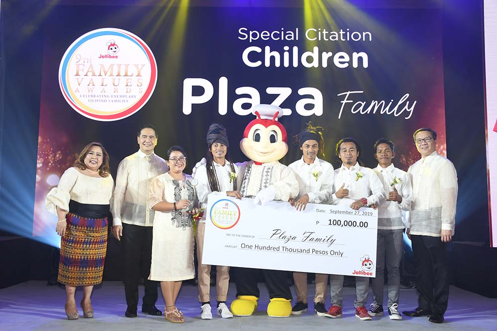 Hailing from Davao Oriental, the Plaza Family receives a Special Citation for Children for their advocacy to send underprivileged children to school and preserve the marine wildlife of Dahican.