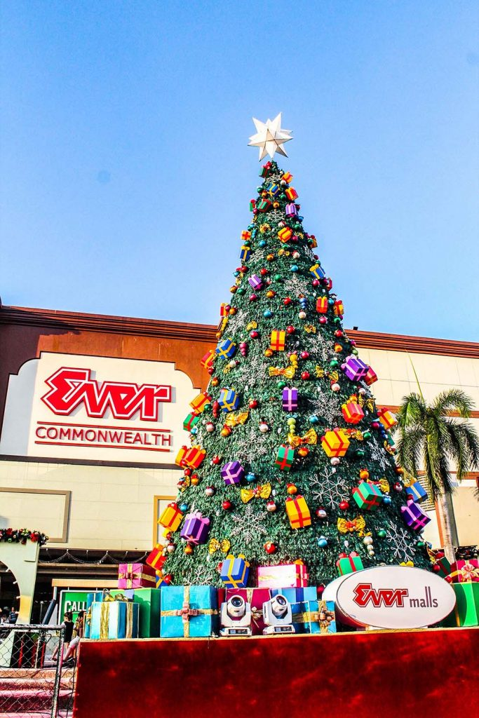 Marvel at the giant 40-foot Christmas tree at Ever Mall parking grounds.