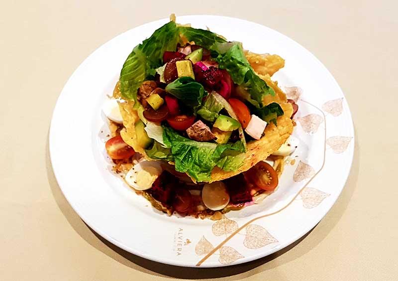 Parmesan basket salad
